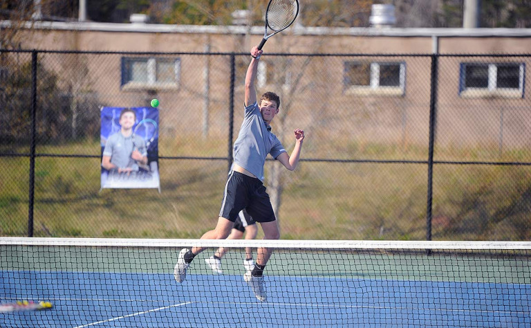Wolverines open conference play with sweep of Vikings