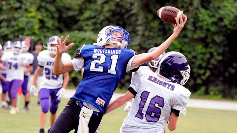 Jackson's game-winning grab helps lift Polk Middle to another last-minute victory