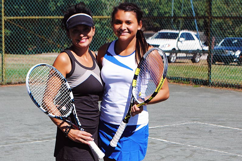Game of love: Mother, daughter find shared passion in tennis