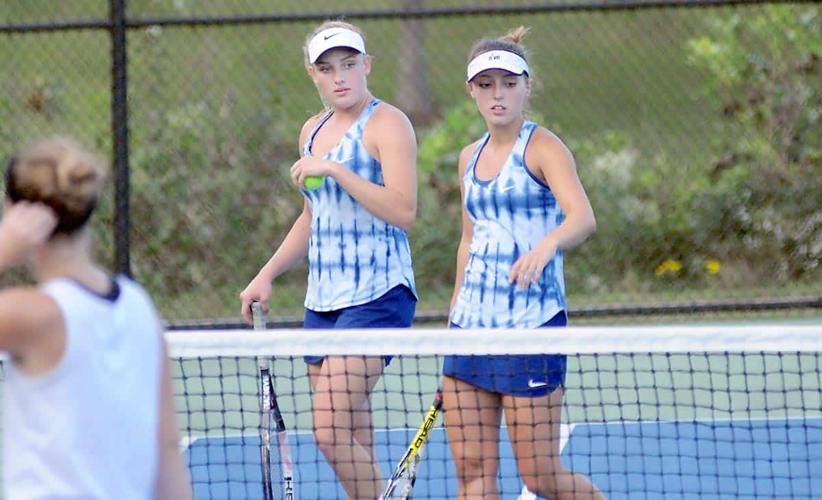 Wolverine tennis players defeated at 1A West Regional