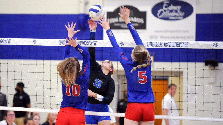 Falcons pull away to sweep Wolverines